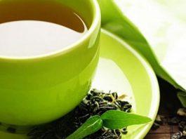 nước trà xanh giảm nám da